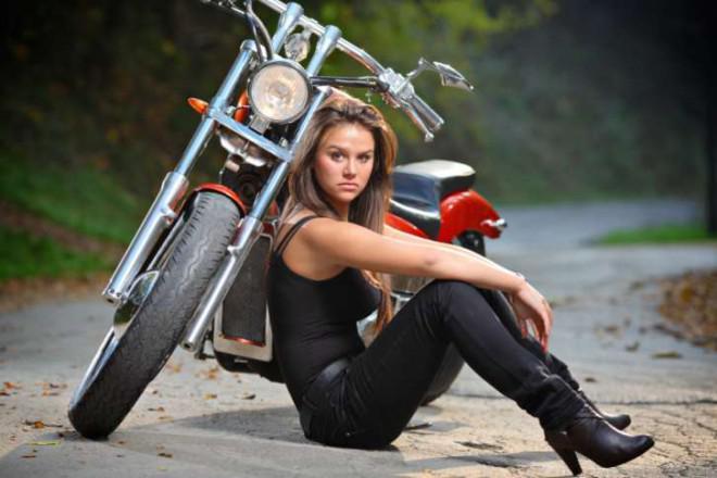 Hur man bära Moto stövlar