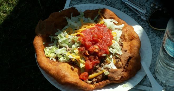 Vem uppfann taco pizza?