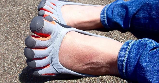 Hur mycket pengar har en genomsnittlig amerikansk spendera på skor per år?