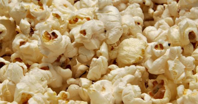 Hur gör du popcorn i en mikrovågsugn popcorn popper?