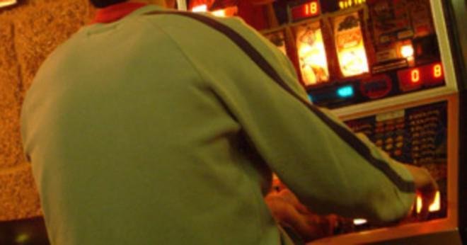 Varför gör människor hasardspel Online?
