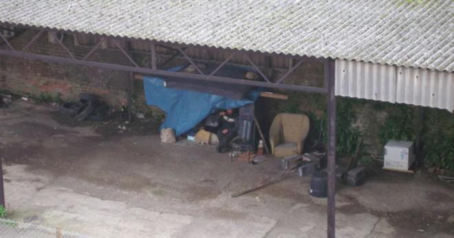 Vad är den genomsnittliga åldern för hemlösa i Storbritannien?