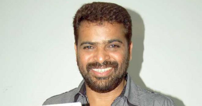 Tamilska film direktör Keran kontaktadress?