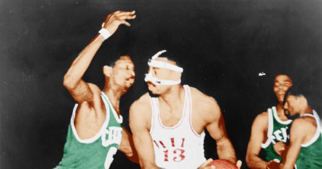 Hur många NBA mästerskap ringar gör bill Russel har?
