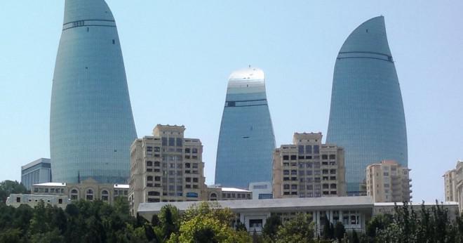 Vad är den högsta byggnaden i Baku?