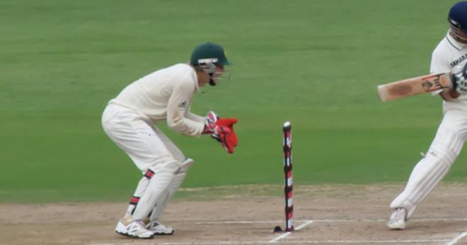 Vilka cricket spelare har tröja nummer 24?