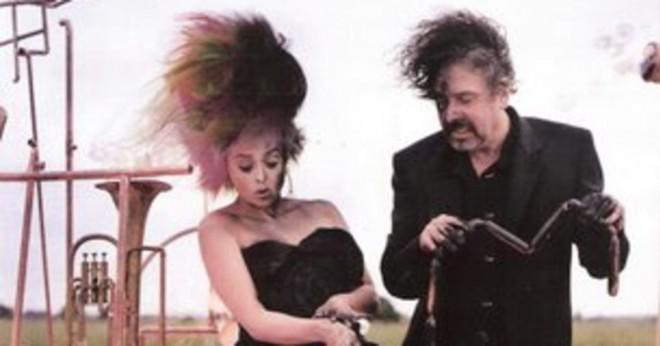 Som spelar Alice i Tim Burtons Alice i Underlandet?