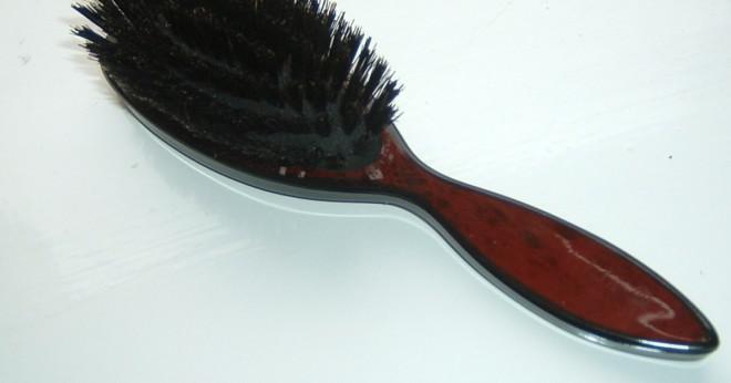Vad är skillnaden mellan curling tång och en curling trollstav?