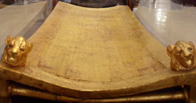 Vad är storleken på en barnsäng madrass?