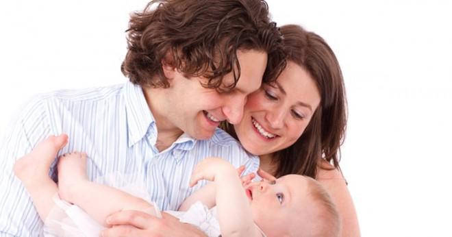 Hur mycket väger den genomsnittliga fostersäcken i slutet av en graviditet inklusive vätskor barnet och moderkakan?