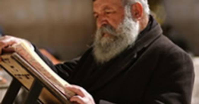 Vad är några likheter och skillnader mellan judendom och kristendom?