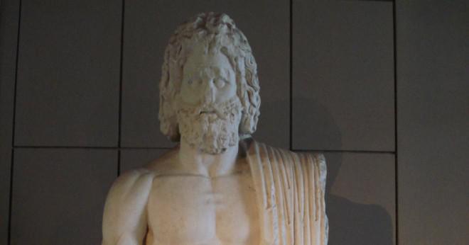 Hur stavar du namnen på de grekiska gudarna i antika